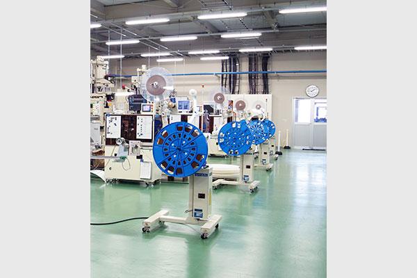 富山工場設備の成型設備2
