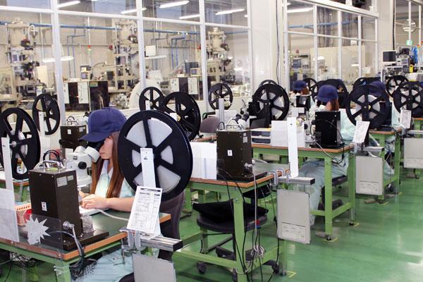 富山工場設備の検査工程2